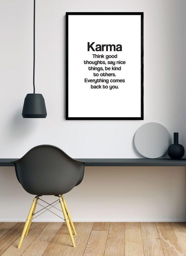 karma-poster-design-Schreibtisch